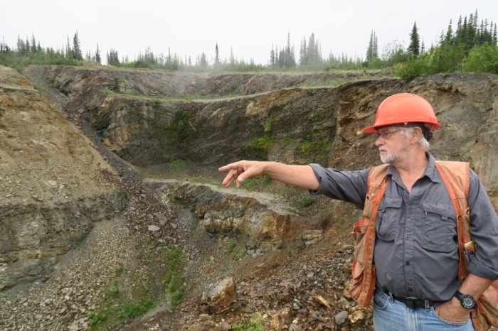 Alexco VP of exploration Alan McOnie pointing out the Bermingham discovery.