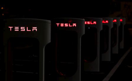 Infographic: Tesla Against the World: Will Tesla's Model 3 Launch The Electric Automaker to Even Greater Heights?