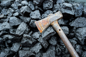 Coal Producer Yancoal Drops 35 Percent on $2.5 Billion Equity Raising Plans